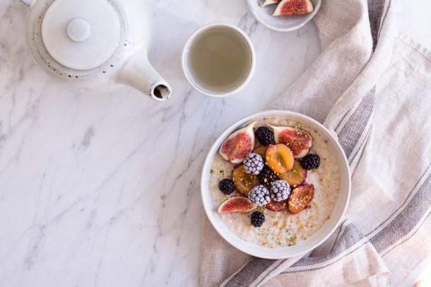 Wärmendes Herbst-Porridge - vegan, rein pflanzlich, ohne raffinierten Zucker, glutenfrei - de.heavenlynnhealthy.com