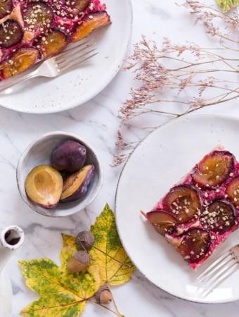 Zwetschgen-Blechkuchen mit Buchweizen-Dinkel-Hefeteig