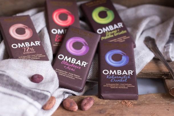 Heiße Superfood Schokolade - vegan, rein pflanzlich, glutenfrei, ohne raffinierten Zucker, ohne Milch - de.heavenlynnhealthy.com
