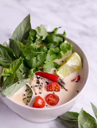 Thailändische Kokossuppe (Tom Kha Veggie)
