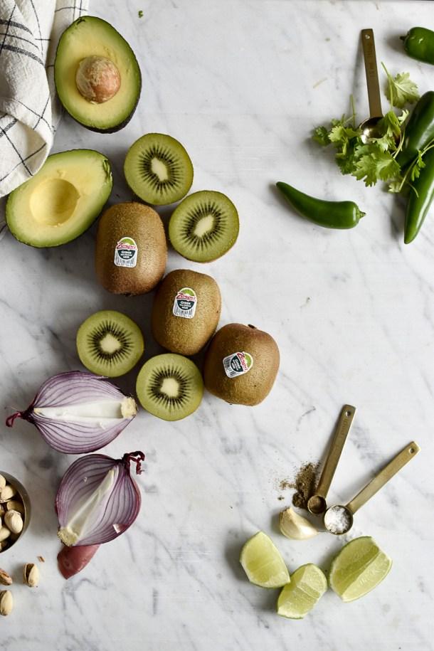 Kiwi-Pistazien-Salsa - rein pflanzlich, vegan, glutenfreie Option, ohne raffinierten Zucker - de.heavenlynnhealthy.com