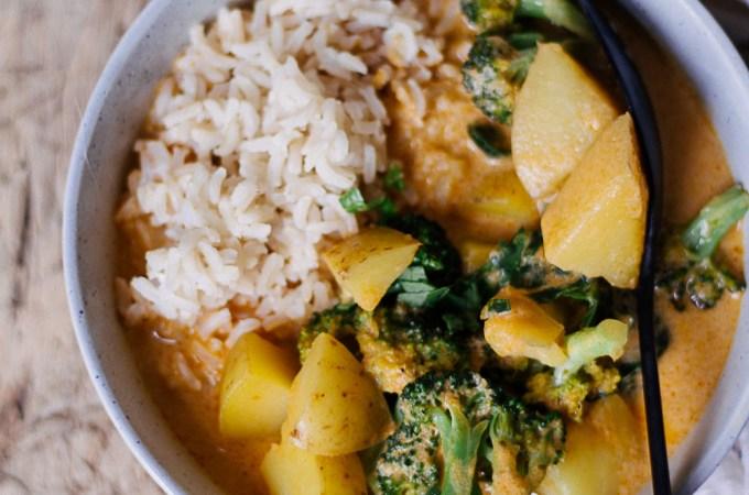 Ein Mahl etwas Gutes : Einfaches Herbst-Curry mit fast 5 Zutaten- rein pflanzlich, vegan, glutenfreie Option, ohne raffinierten Zucker - de.heavenlynnhealthy.com