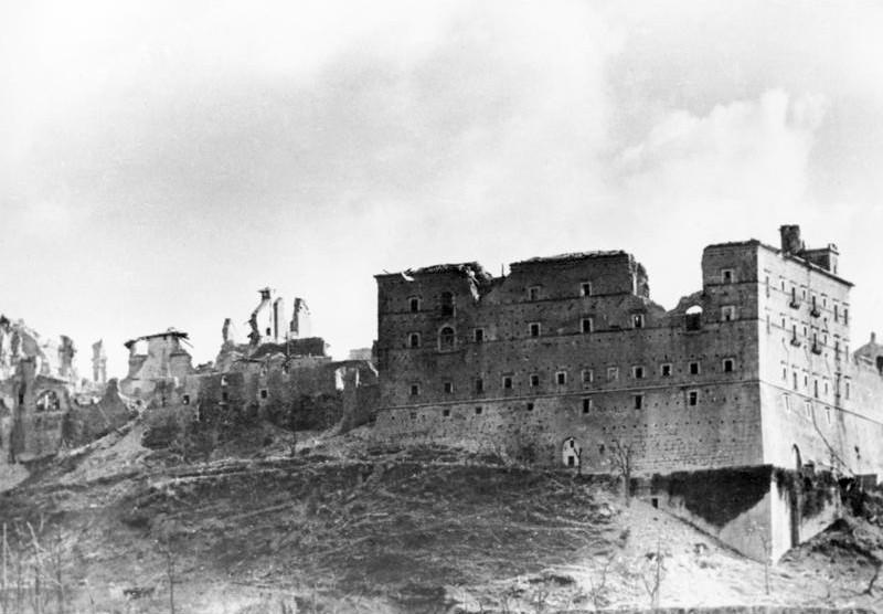 Datei:Bundesarchiv Bild 146-2005-0004, Italien, Monte Cassino.jpg