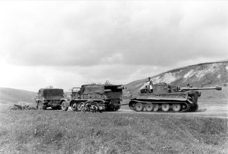 Datei:Bundesarchiv Bild 101I-022-2926-11A, Russland, Abschleppen eines Tiger I.jpg