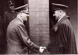 Der Führer und Ante Pavelic am 18. 9. 1944.jpg