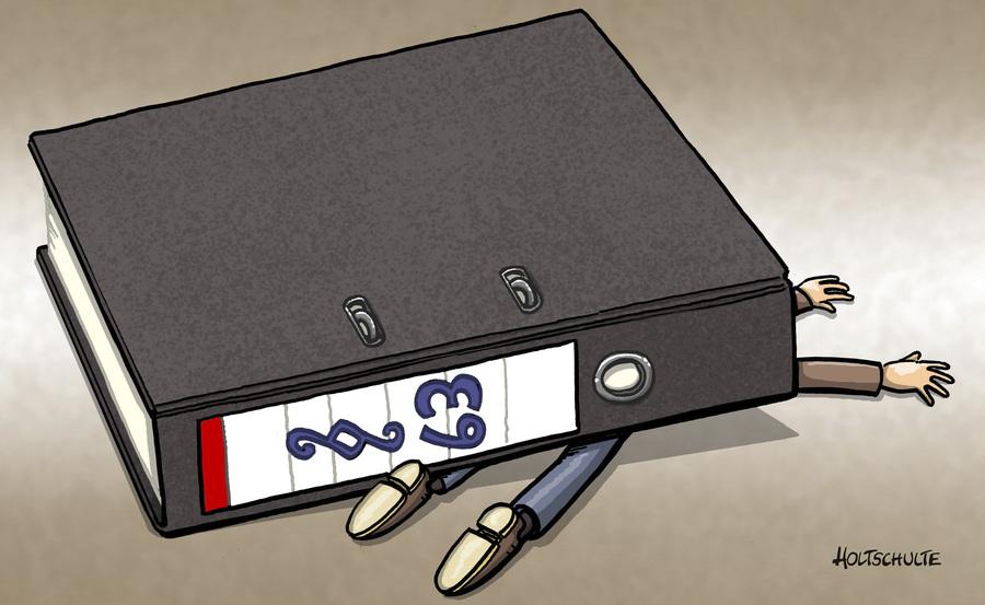 Cartoon: Paragraph 63 - Gustl Mollath (large) by Holtschulte tagged gustl,mollath,paragraph,63,justiz,beate,merk,skandal,verrückt,verbrechen,wille,geschlossene,psychiatrie,justizministerin,gustl,mollath,paragraph,63,justiz,beate,merk,skandal,verrückt,verbrechen,wille,geschlossene,psychiatrie,justizministerin