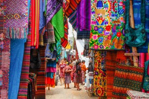 web-Chichicastenango-market