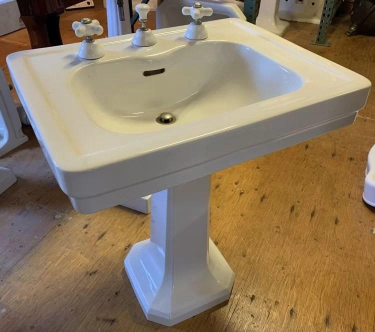 1926 standard antique integral spout pedestal sink