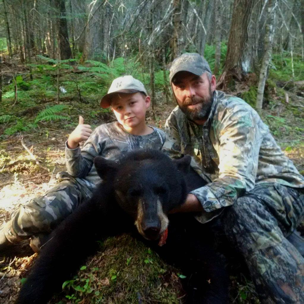 Outfitter enjoys bear hunting