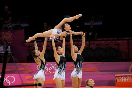 Rhythmic_gymnastics_at_the_2012_Summer_Olympics_(7915553252)