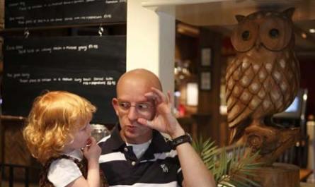 deaf_parents_deaf_children_article_ramon_woolfe