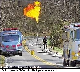 overturned_tanker_owensville_111706-2