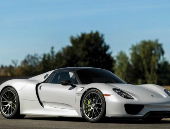 10.28.16 - 2015 Porsche 918 Spyder
