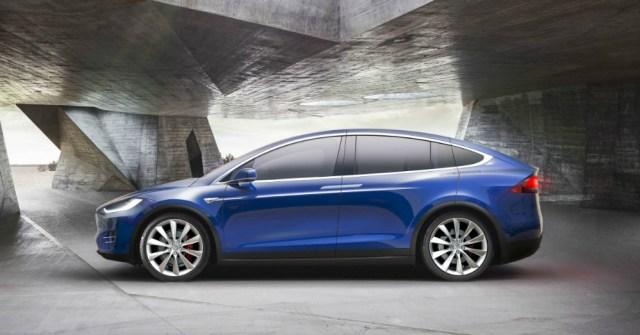 01.06.17 - Tesla Model X - 2