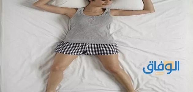 طريقة النوم الصحيحة لمرضى الانزلاق الغضروفي في الرقبة