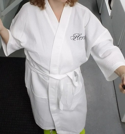 Luxor Linens  Egyptian Cotton Waffle Robe Review + Giveaway. waffle-hers- robe d0bb23719