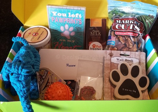 november-2016-pet-treater-box