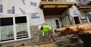 apartment-construction-CT-Spencer Platt Getty Images-825645670_0