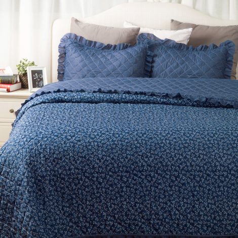 Flowers-Quilts-Dimaond-Stiching-Coverlet-Set