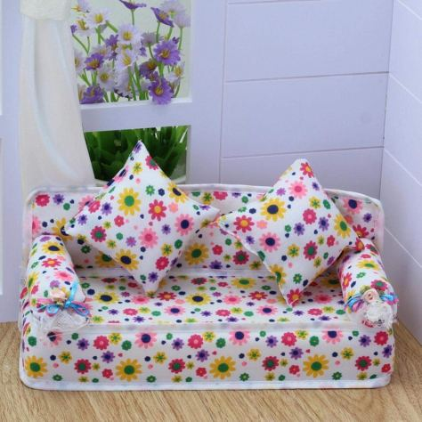 1 Set Mini Furniture Flower Sofa Couch with 2 Cushions for Barbie Doll House 1