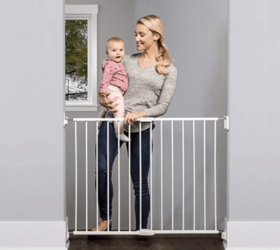 Woot: Regalo 2-in-1 Extra Wide Safety Gate with Mounting Kit $24.99 (Reg $31.84)