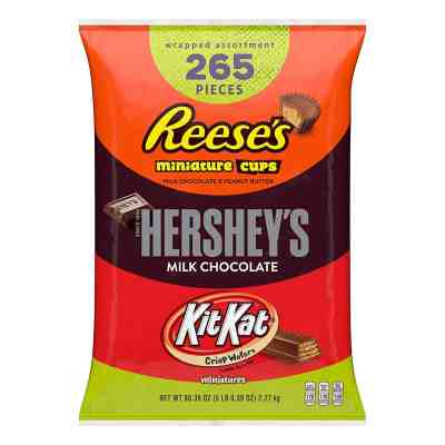 Amazon: 265 Pcs Hershey's, Kit Kat, & Reese's Bulk Halloween Chocolate Only $18.16