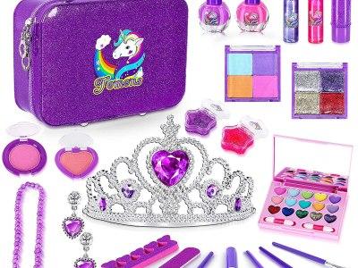 Amazon: 25Pcs Kids Makeup Kit for Girls, Just $15.49 (Reg $30.99) after code!