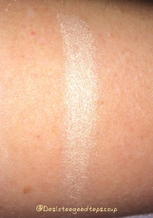 becca-shimmering-skin-perfector-moonstone-pressed-2