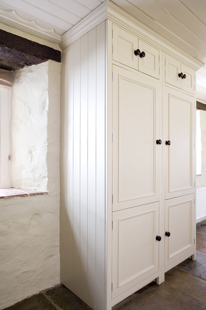 Neptune Chichester Hand Painted Larder With Large Oak
