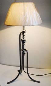 Leggy Table Lamp in Lacquered Steel