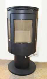 Lysa-Veilka-Pillar-on-pedestal-ex-display
