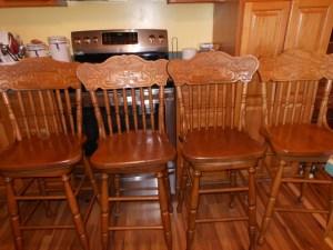 4 bar stools (1024x768) (1024x768)