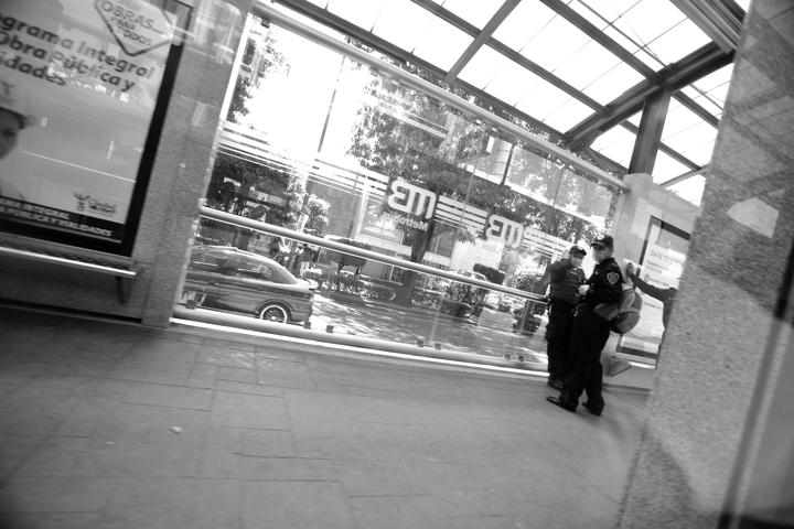 metrobus06bw_lres