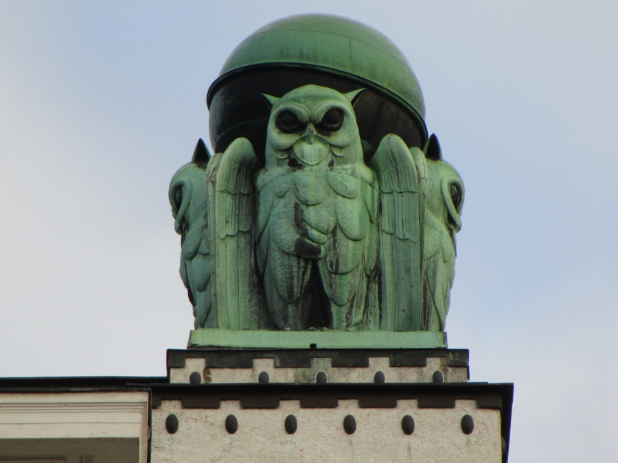 Snapshots of Europe: The Giant Owls of Zagreb