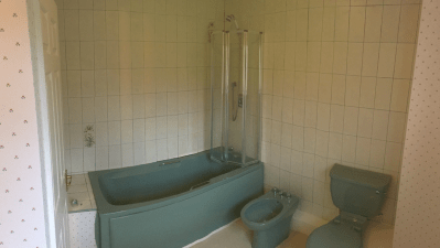 green bathroom suite dated
