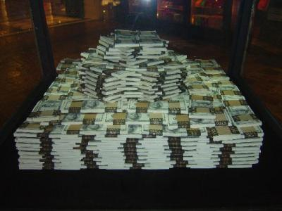 2686288-one_million_dollars_cash-las_vegas.jpg