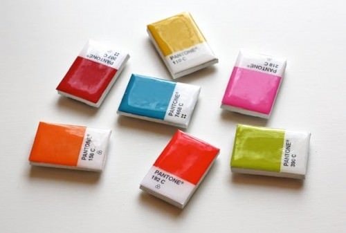 DIY-pantone-chip-magnets-500x337