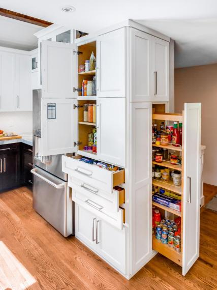 Harmony-Weihs_Refined-Mid-Century-Kitchen-14.jpg.rend.hgtvcom.966.1288