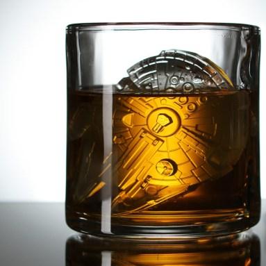 ebf9_millennium_falcon_ice_cube_tray_glass