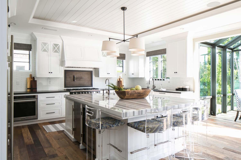 Come sarebbe la cucina di una casa al mare dei sogni così