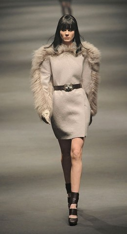 Lanvin-FALL-RTW-2010-PODIUM-001_runway