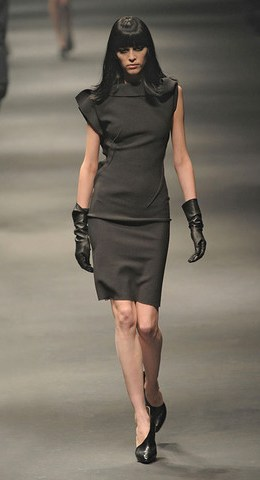 Lanvin-FALL-RTW-2010-PODIUM-010_runway