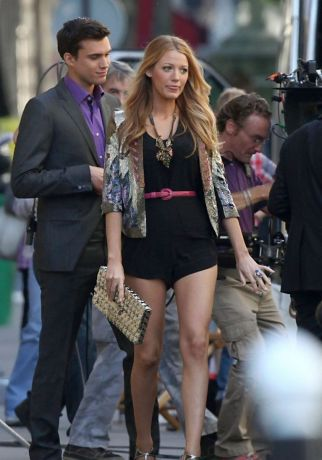 gossip-girl-day-3-france-filming-02