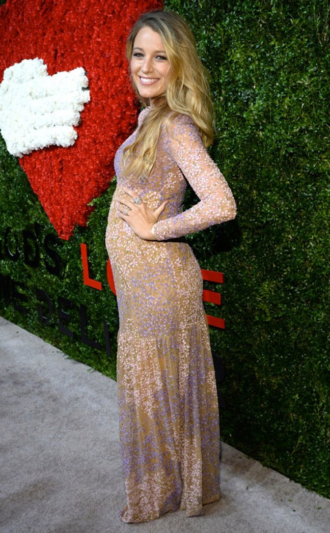 rs_634x1024-141016165451-634-2blake-lively-bump.ls.101614