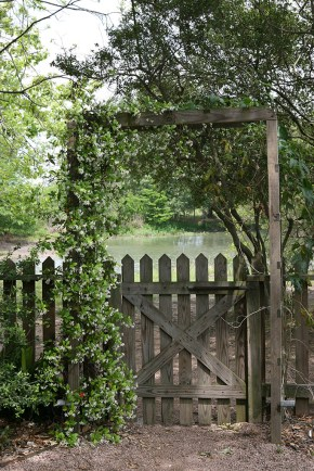 Farmhouse gate