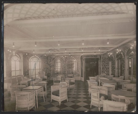Veranda Cafe and Palm Court on Titanic