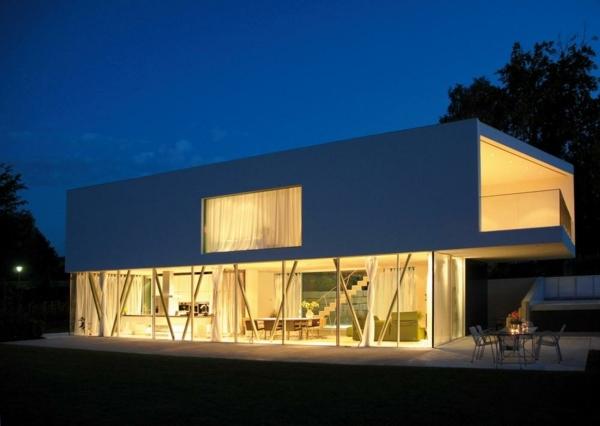 Minimalistische Architektur Haus Von TecARCHITECTURE