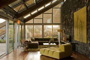 Natursteinwand im Wohnzimmer   der natürliche Charme von ...