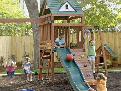 garten für kind kinder spielplatz im hinterhof bauen -  ideen für