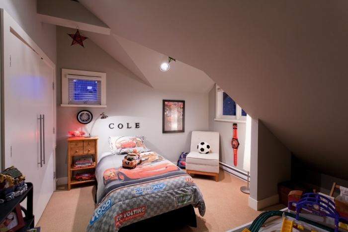 Jugendzimmer mit Dachschräge - 35 Ideen für die Gestaltung